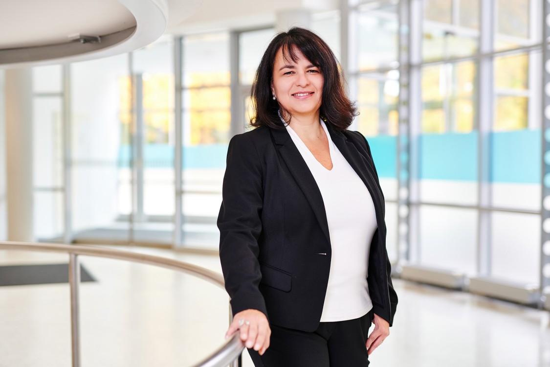 Dr.  Judith Wunschik