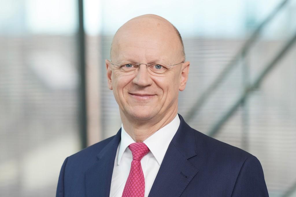 Ralf P. Thomas, Finanzvorstand