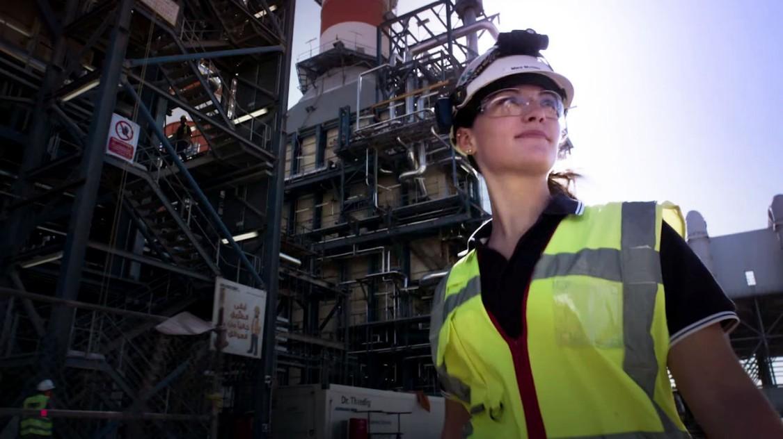 Graduate working on a Siemens Energy site