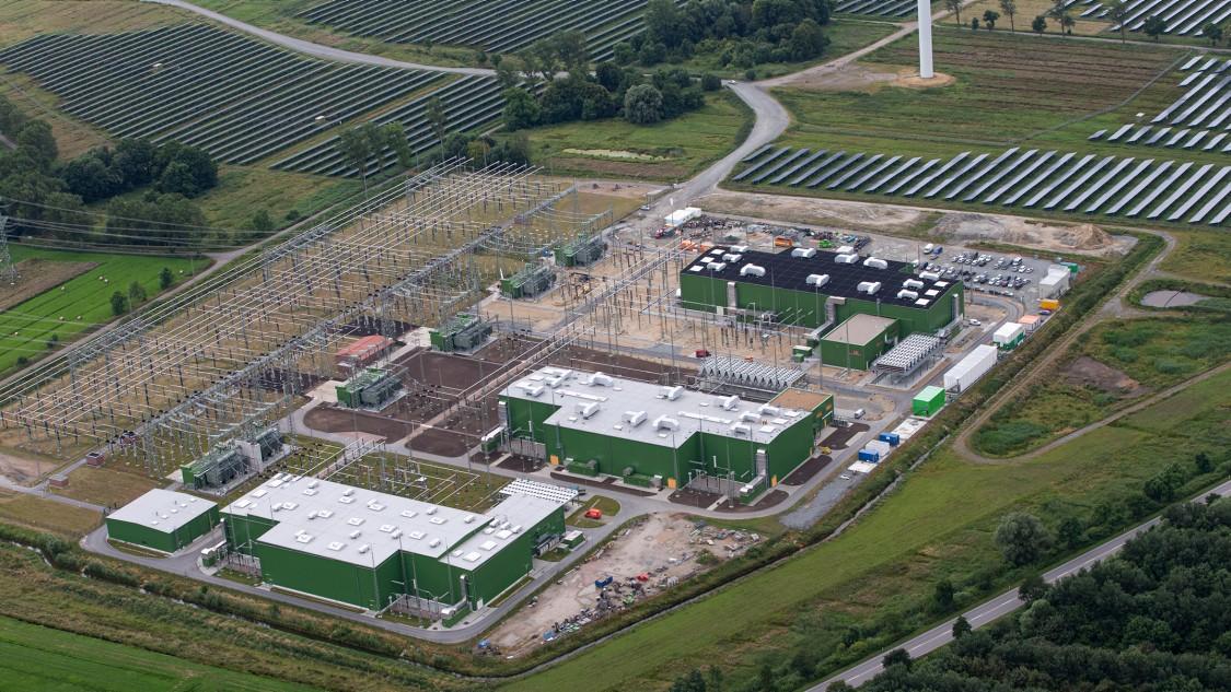 High-voltage direct current (HVDC) | Portfolio | Siemens Energy Global